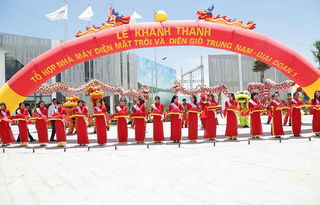 https://ezmedia.com.vn/tin-tuc-ezmedia/334-trung-nam-group-khanh-thanh-to-hop-dien-gio-dien-mat-troi-tai-ninh-thuan.html